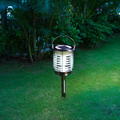 """Glitzhome 17.5""""H Dual Mode Solar Powered LED Insect Catcher Light with Hanger and Stake - Silver"""