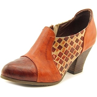 L'Artiste by Spring Step Buttermilk Pointed Toe Leather Bootie