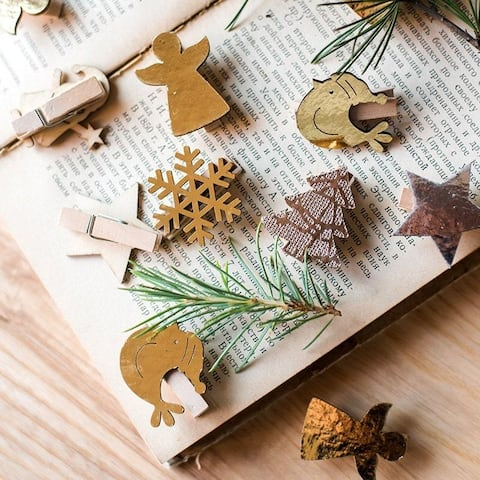 RusticReach Christmas Wood Clips Randomly Picked Set of 3 Total 18 Pieces