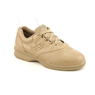 Propet Vista Walker 2E Round Toe Leather Sneakers