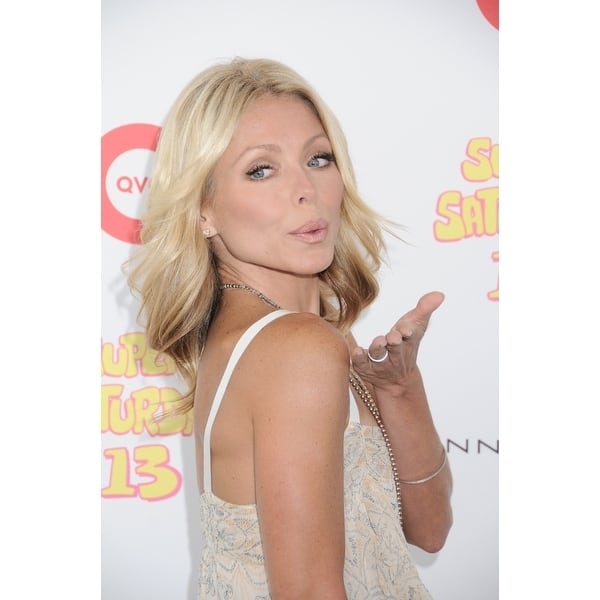 Shop Kelly Ripa In Attendance For Super Saturday 13 Benefit For The Ovarian Cancer Research Fund Novas Ark Project Water Mill Ny July Free Shipping On Orders Over 45 Overstock 24409441