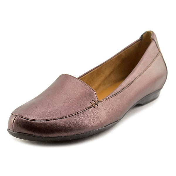 Naturalizer Saban Women Round Toe Leather Burgundy Loafer