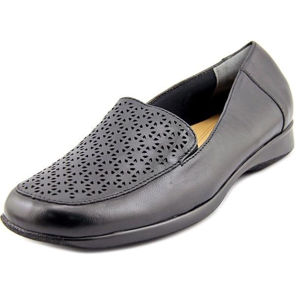 Trotters Jenn Laser Women Square Toe Leather Loafer
