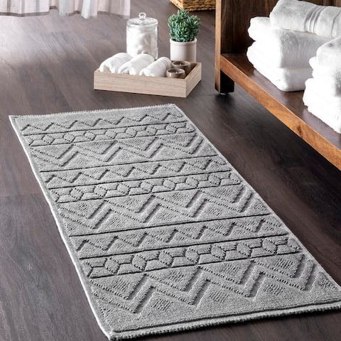 nuLOOM Easton Textured Tribal Striped Bath Mat
