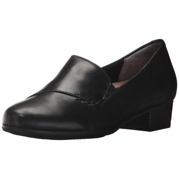 Trotters Womens Moment Leather Closed Toe Classic Pumps
