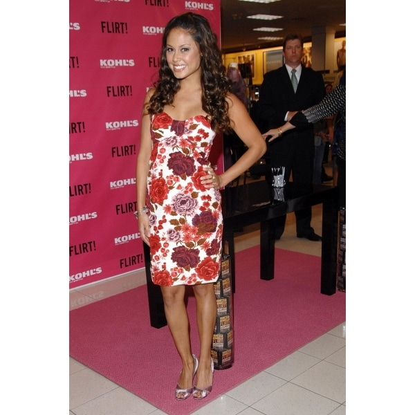 Vanessa Minnillo At In Store Appearance For Launch Of Flirt Cosmetics Line Kohls Department Store