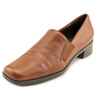 Trotters Ash WW Round Toe Leather Loafer