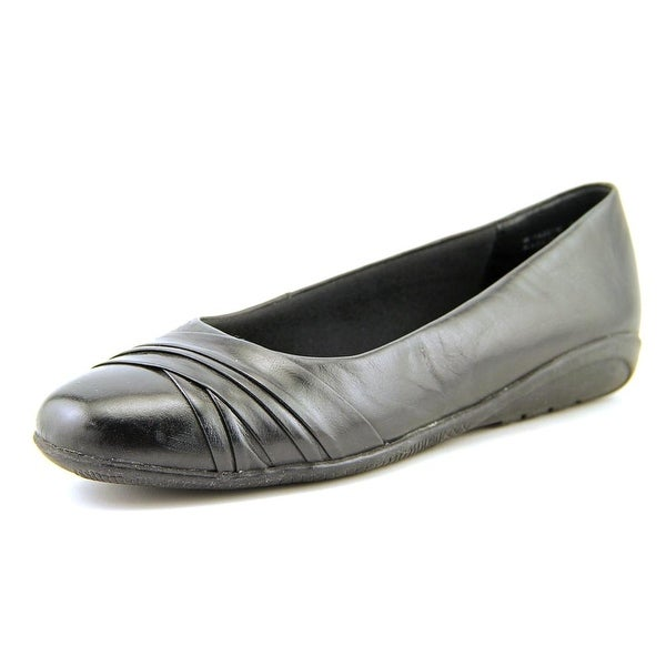 Walking Cradles Flick Women Round Toe Leather Black Flats