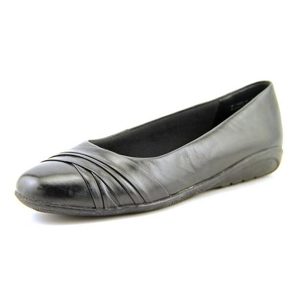 Walking Cradles Flick Women  Round Toe Leather Black Flats