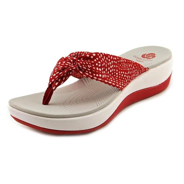 clarks red flip flops