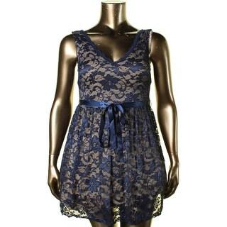 B. Darlin Womens Juniors Lace Overlay Sleeveless Cocktail Dress