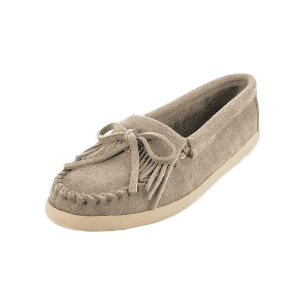 Shop Minnetonka Shoes Womens Newport Premium Suede Fringe Stone - Free  Shipping Today - Overstock - 22307440 08d951a8ca