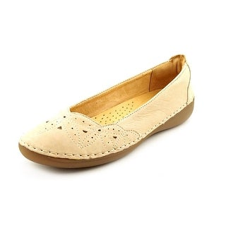 Naturalizer Kipper Women N/S Round Toe Leather Nude Flats