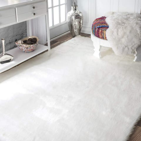Silver Orchid Andral White Faux Sheepskin Soft Fluffy Area Rug