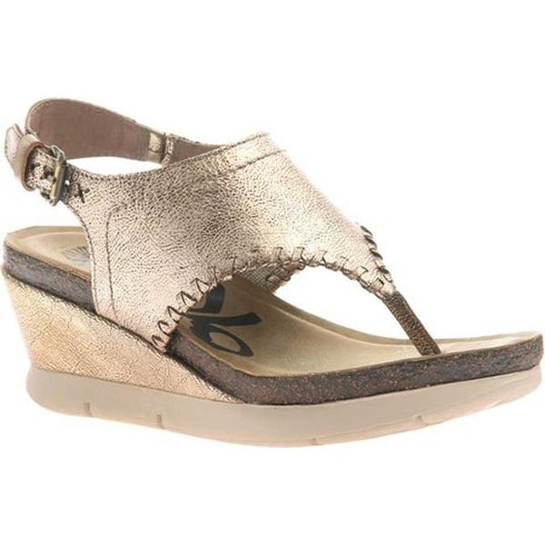 4c4344b3c Shop OTBT Women s Meditate Thong Sandal Gold Leather - Free Shipping Today  - Overstock - 20747098