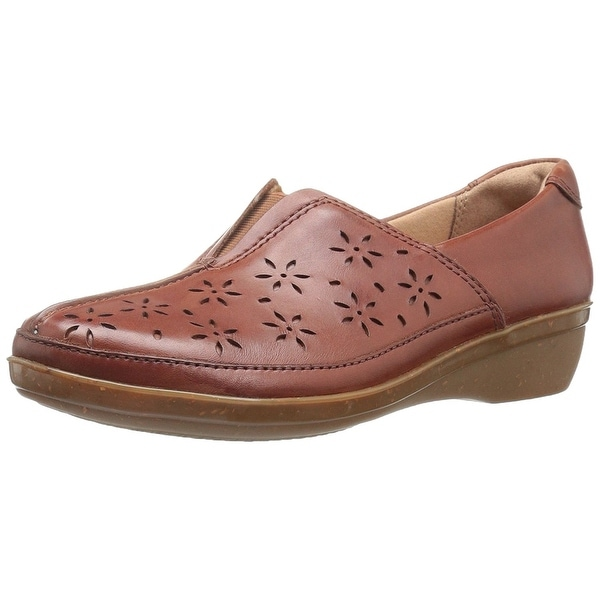 CLARKS Womens Everlay Dairyn Closed Toe Loafers