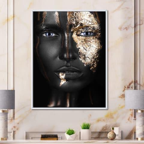 Designart 'Portrait of A African American Girl with Gold Makeup' Modern Framed Canvas Wall Art Print