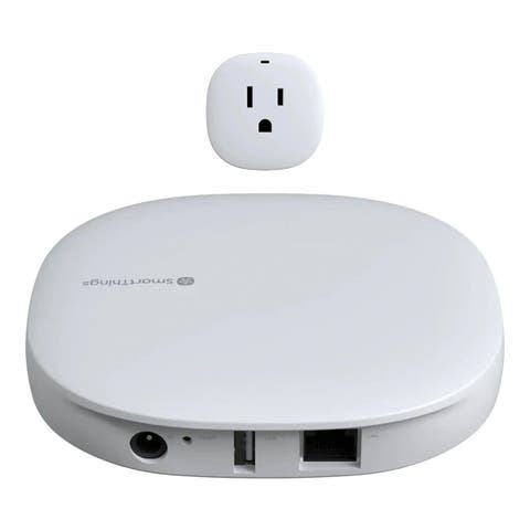 Samsung Smart Things Hub with Smart Outlet