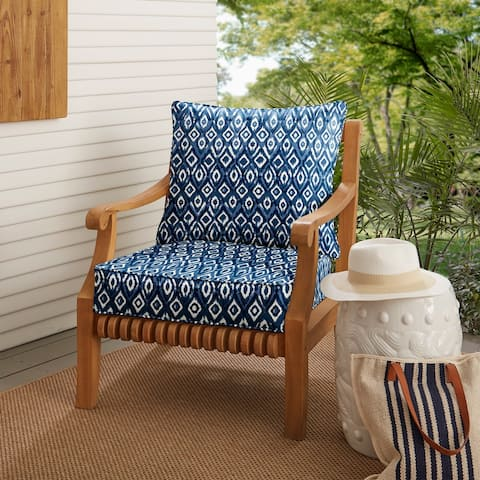 Graphic Indigo and Navy Indoor/ Outdoor Chair Cushion and Pillow Set