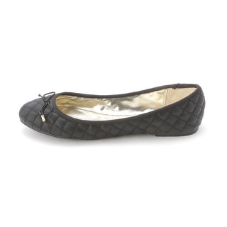 Material Girl Womens FIFI Closed Toe Ballet Flats