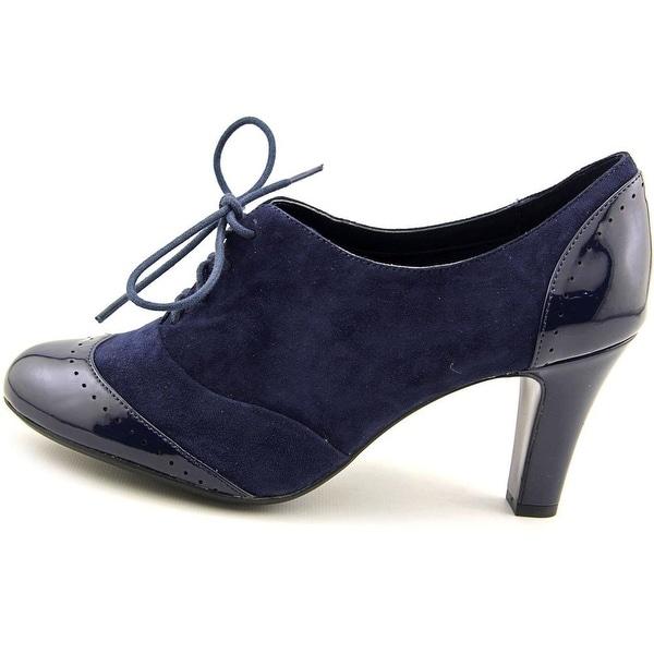1fb2a570398 Shop Giani Bernini Womens Vickii Leather Cap Toe Classic Pumps ...
