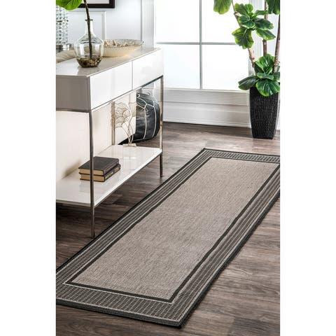 nuLOOM Solid Border Outdoor/ Indoor Area Rug