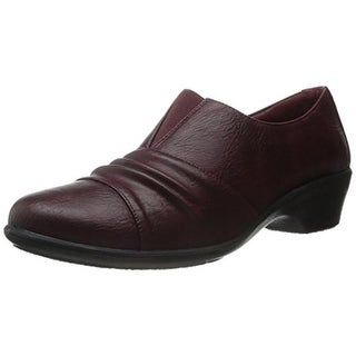Easy Street Womens Yvette Faux Leather Pleated Casual Shoes