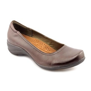 Hush Puppies Alter Pump Round Toe Leather Loafer