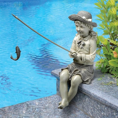 Small Nellies Big Catch Statue