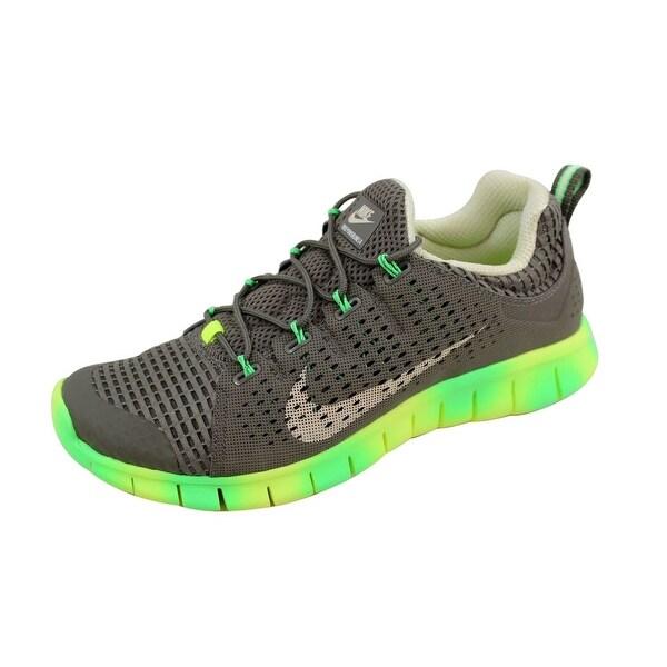a2edf7d75274 Shop Nike Men s Free Powerlines II 2 Tarp Green Beach 555306-300 ...