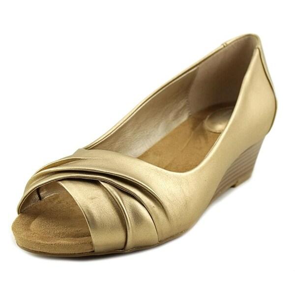 Giani Bernini Rivey Women Gold Sandals
