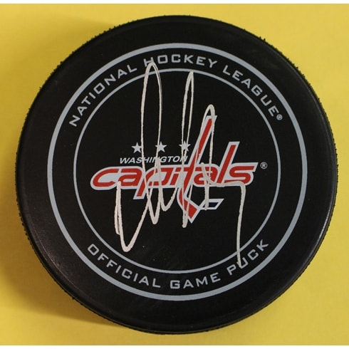 9ca608cfb58 Shop Alex Ovechkin Autographed Washington Capitals Official NHL Puck JSA -  Free Shipping Today - Overstock - 16762615