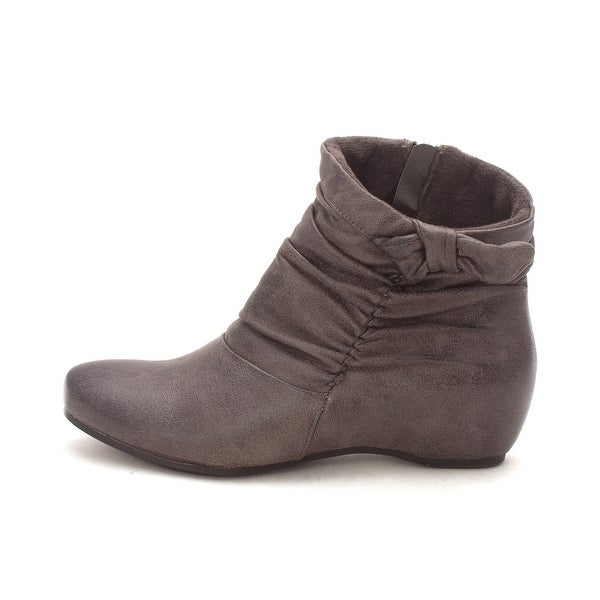 Bare Traps Womens Sakari Closed Toe Ankle Fashion Boots