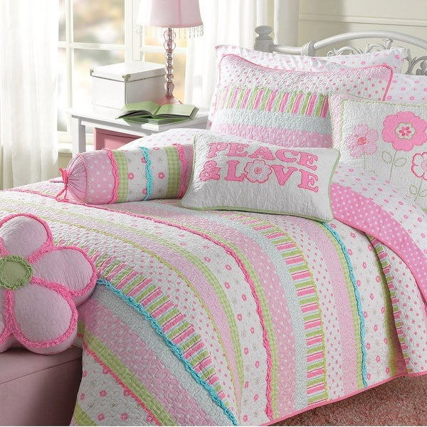 Taylor & Olive Sunfish Pastel Cotton Quilt Set. Opens flyout.