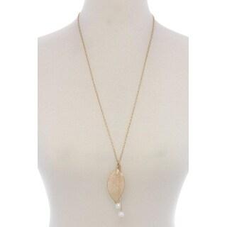 Leaf Pearl Pendant Necklace Color Gold