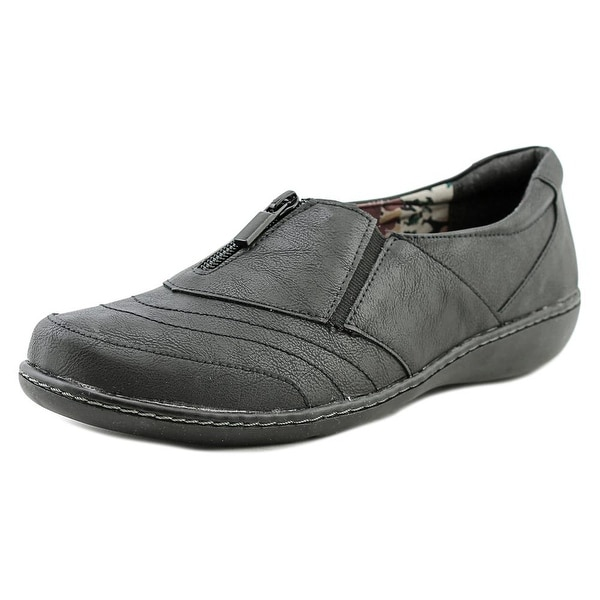 Soft Style by Hush Puppies Jennica W Round Toe Leather Loafer