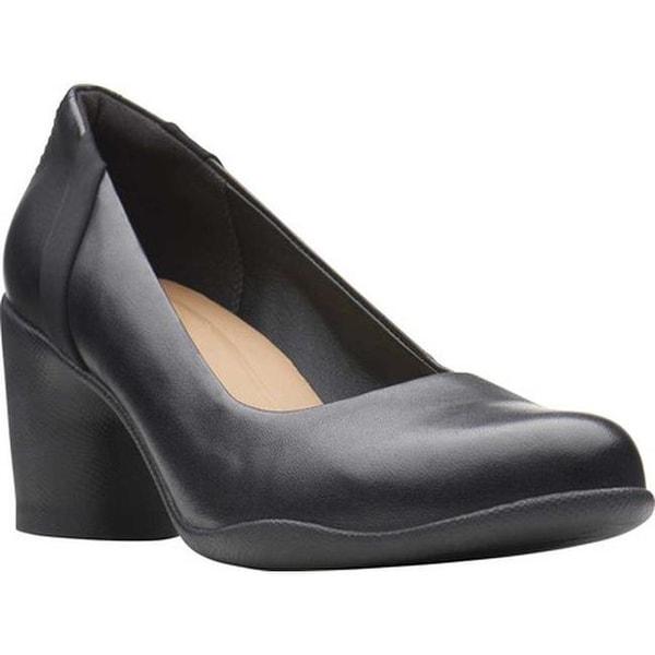 f160176c403d6 Shop Clarks Women's Un Rosa Step Pump Black Leather - Free Shipping ...