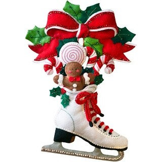 "Holiday Skate Wall Hanging Felt Applique Kit-11""X16"""