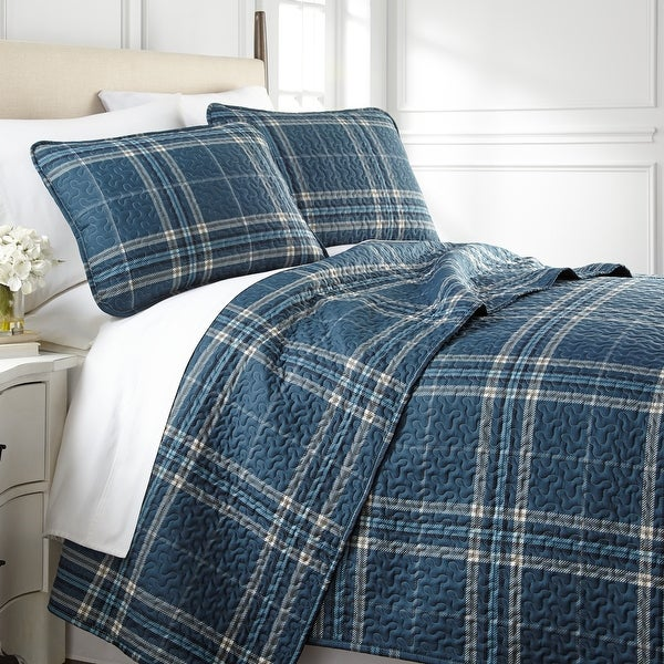Vilano Choice Ultra-Soft Plaid 3-piece Quilt and Sham Set. Opens flyout.