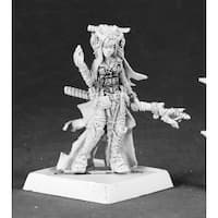 Pathfinder Miniatures: Feiya, Iconic Human Witch by Reaper