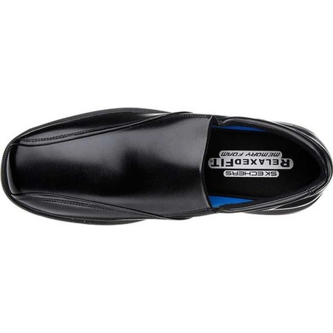 skechers relaxed fit caswell noren loafer