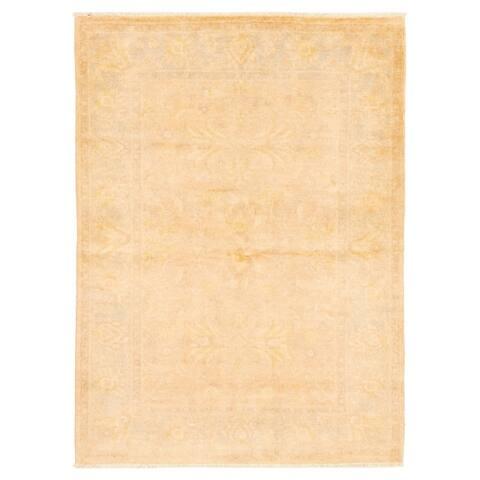 ECARPETGALLERY Hand-knotted Peshawar Oushak Beige Wool Rug - 4'0 x 5'6