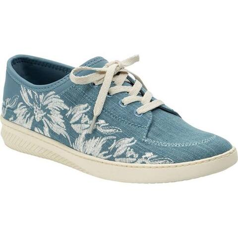 Bare Traps Women's Yalora Embroidered Sneaker Washed Denim/Hudson Denim
