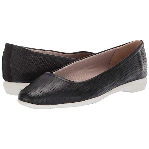 Naturalizer Womens Alya Leather Closed Toe Slide Flats
