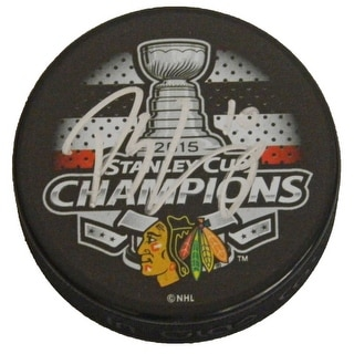 Patrick Sharp Signed Chicago Blackhawks 2015 Stanley Cup Champs Logo Hockey Puck