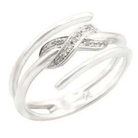 Lovely Round Brilliant Cut Natural Diamond Stylist Promise Ring