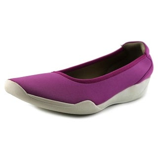 Stretchies Joyce W Round Toe Synthetic Flats