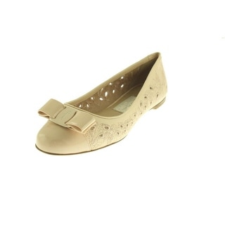 Salvatore Ferragamo Womens Varina Leather Embroidered Round-Toe Shoes - 7 wide (c,d,w)