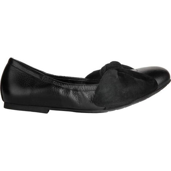 Kenneth Cole New York Women's Pauline Ballet Flat Black Leather