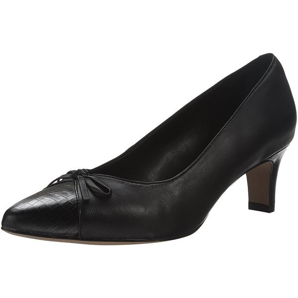 CLARKS Womens Crewso Calica Leather Pointed Toe Classic Pumps